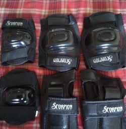 Set protecție pentru role-genunchi, coate, palme