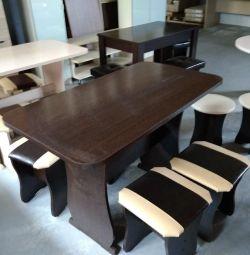 Masă + patru scaune (nou)