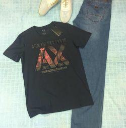T-shirts Armani, Ιταλία, νέα