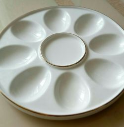 A dish for serving egg snacks.