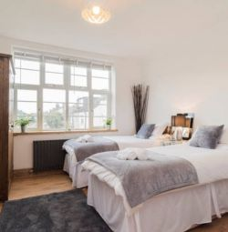 BEAUTIFULLY  FURNITURE ROOM CLOSE TO THE CITY