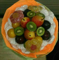 Bir demet meyve