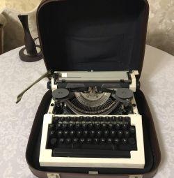 Masina de scris Ortech
