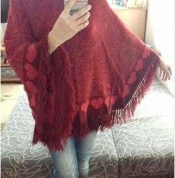 Poncho cald, tricotat manual