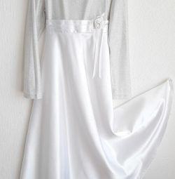 праздничное платье р.128-134