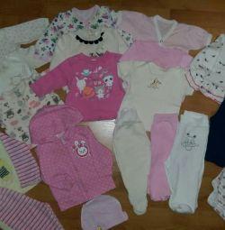 Set de haine pentru o fată 0-6 luni.