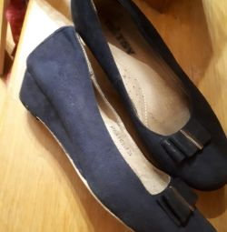 Παπούτσια 35