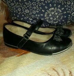 Μαύρα παπούτσια 34
