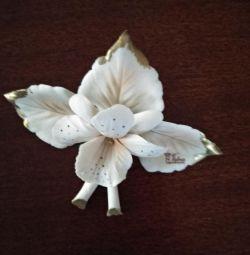 Фарфоровый цветок