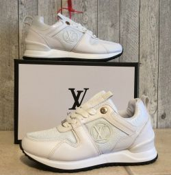 new Louis Vuitton sneakers 39 size