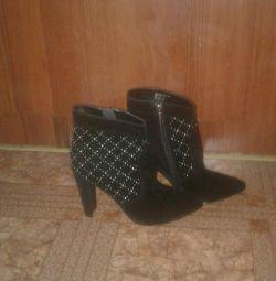 Bayan çizmeler