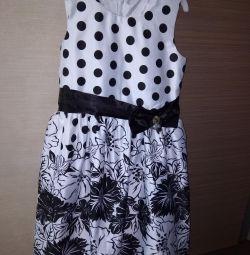Сукня для дівчинки.