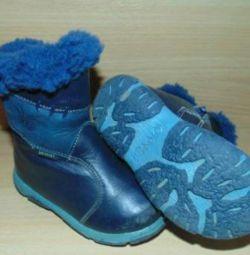 Χειμερινές μπότες. .