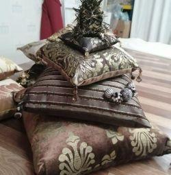 Designer pillows (Christmas trees)