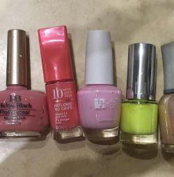 Nail polish set