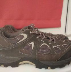Αθλητικά παπούτσια 35 r