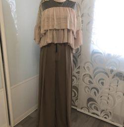Silk pants with a high waist