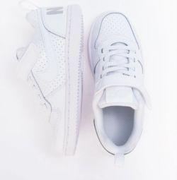 Baby Nike. Αρχικό ΡΡ 20-30,5