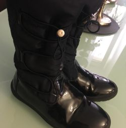 Boots 34