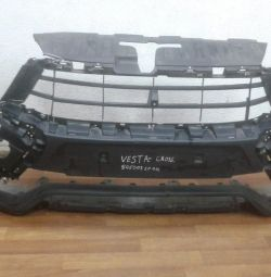 Front bumper Lada Vesta Cross oem 8450031004 (cracks) (skl-3)