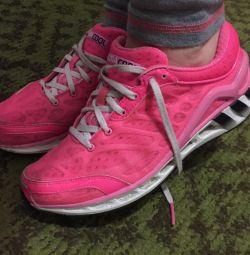 Жіночі кросівки Adidas ClimaCool
