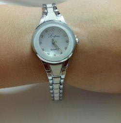 часы женские новые?