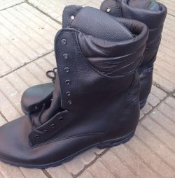 Army boots 47 size