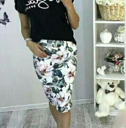 Stylish two-piece suit, t-shirt + skirt. art 011