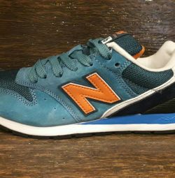 New Balance New Women's Teen Sneakers