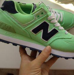 Pantofi noi 36