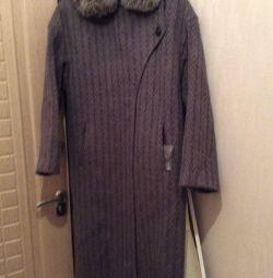 Пальто зимнее с мехом, 100%шерсть.
