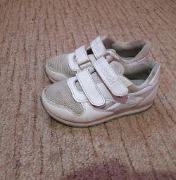 Αθλητικά παπούτσια 30razm