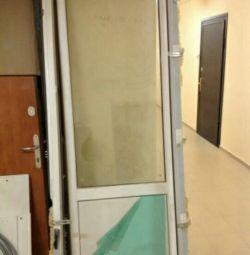 Пластиковая дверь ПВХ