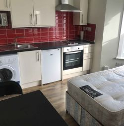 Small studio flat in Finsbury Park