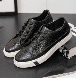 Μοντέρνα πάνινα παπούτσια μόδας