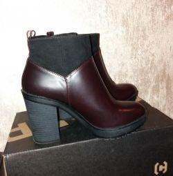 Ботинки новые bershka