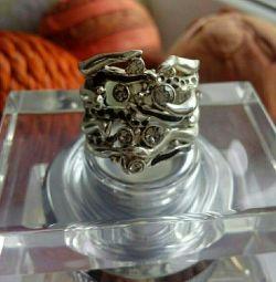 Το δαχτυλίδι είναι πρωτότυπο