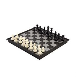 Set of 3 in 1 games (magnetic checkers, chess and backgammon)