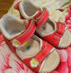 Ortopedik sandalet 19