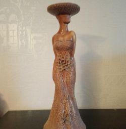 Нова ваза - статуетка для однієї троянди