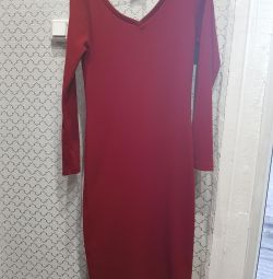 Το φόρεμα είναι δροσερό.