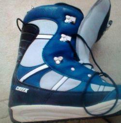 Μπότες με σνόουμπορντ