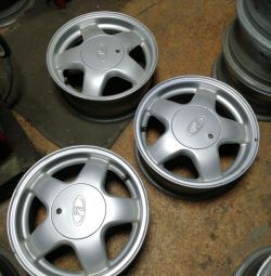 A set of alloy wheels on the WHA 14