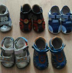 Sandale pentru copii de 19 si 21 de ani