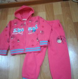 Tracksuit for a girl 92 pp.