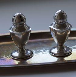 Agitator de sare de argint antic și agitator de ardei