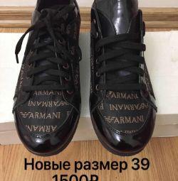Кроссовки новые Армани