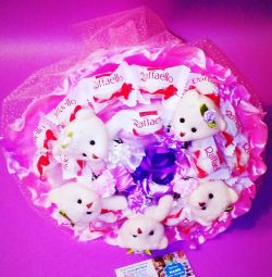 Bouquet with bears and Raffaello.