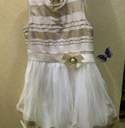 Rochie elegantă Change, 122 și dresuri aurii