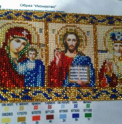 Pictures and icons embroidered with beads